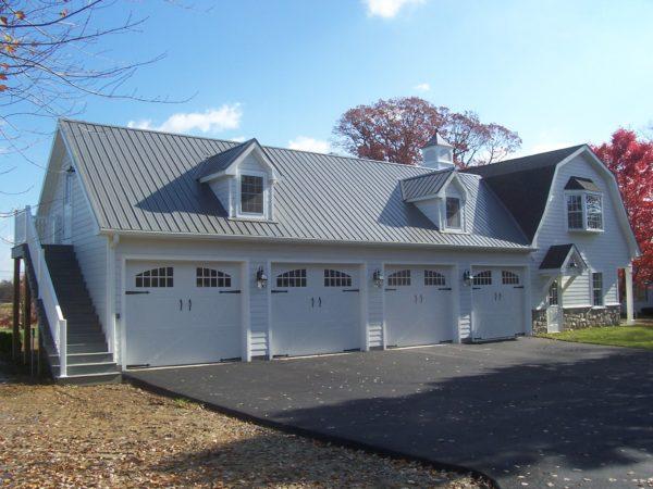 Building - Custom Garage with Living Quarters